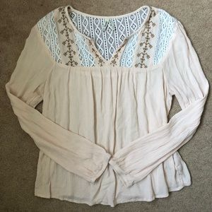 Light Pink w/ Lace Detail Long Sleeve Blouse EUC